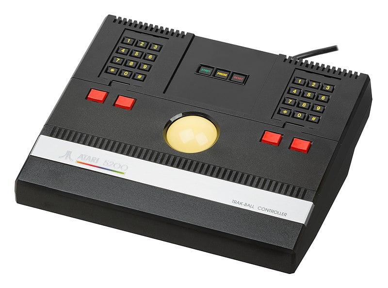 Atari 5200 Trackball Controller. צילום: Evan-Amos